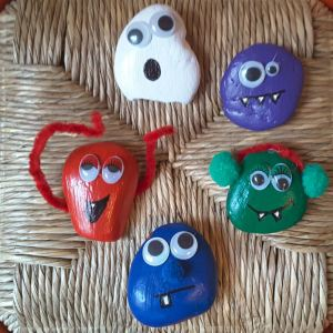 manualitats pedres monstruoses