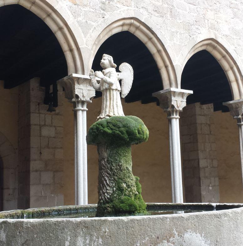 Sortir amb nens monestir de pedralbes angelito