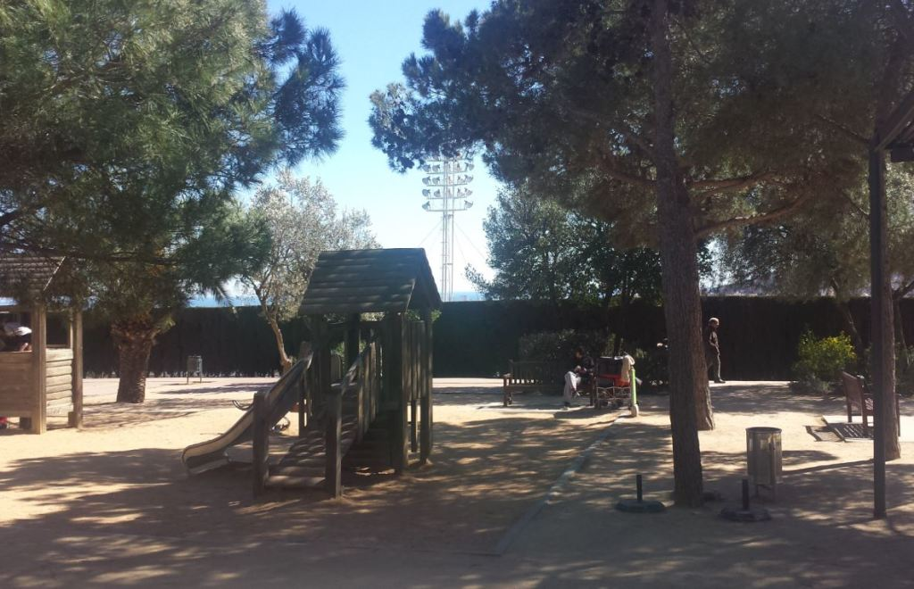 sortir amb nens zona infantil parc laberint